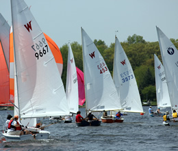 WayfererRegatta20130518-DownwindAction-260x220.jpg